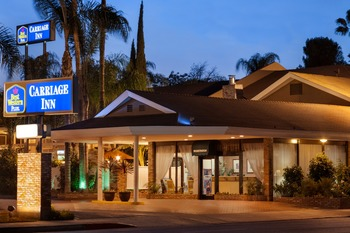 Exterior view of Best Western Carriage Inn.