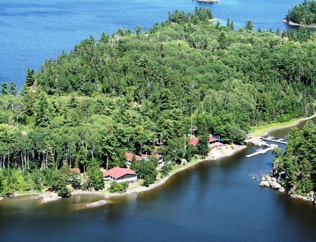 Crow rock lodge kenora ontario resort reviews for Canadian fishing trips cheap