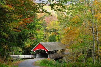 Covered bridge near Discounted Condominium Rentals.