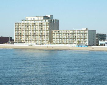 Exterior view of Quality Inn Boardwalk Ocean City.