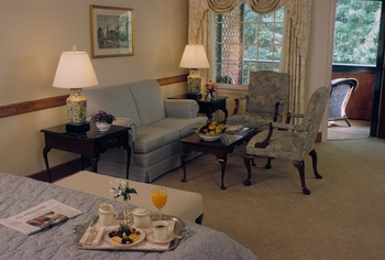 Guest suite at Stonehedge Inn and Spa.