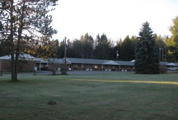 Exterior at Sullivan Trail Motel