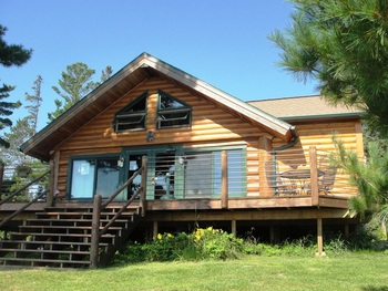 Cottage exterior at Pine Point Lodge.