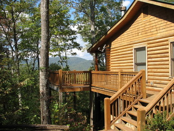 Cabin exterior at Avenair Mountain Cabins.