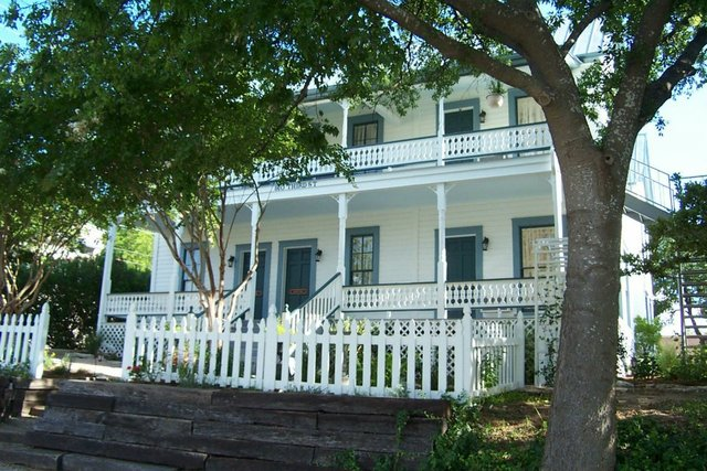 Wallace Guest House Marble Falls Tx Resort Reviews