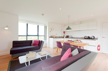 Spacious and family-friendly living area and kitchen at John O' Groats.