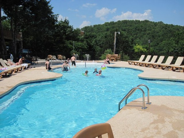 The village at indian point branson mo resort reviews for Branson mo cabins with indoor pool