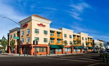 Exterior View of Hawthorn Suites By Wyndham-Oakland/Alameda