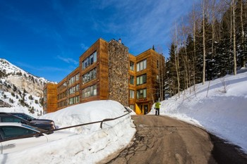 Blackjack Condominium Lodge is the ideal vacation spot for those looking for ski in/ski out access