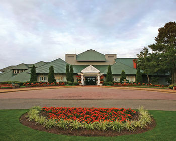 Exterior View of Kingsmill Resort