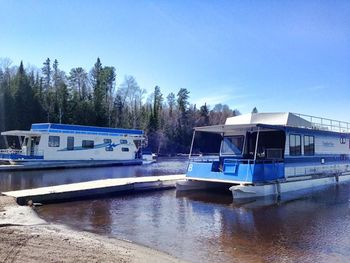 Houseboats at Timber Bay Lodge & Houseboats.