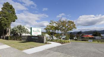 Exterior view of Pauanui Pines Motor Lodge.