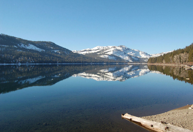 Loch leven lodge truckee ca resort reviews for Donner lake fishing report