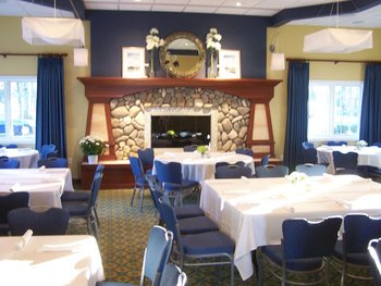 Meeting room at Bay Pointe Inn.