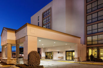 Exterior View of Holiday Inn The Grand Montana - Billings