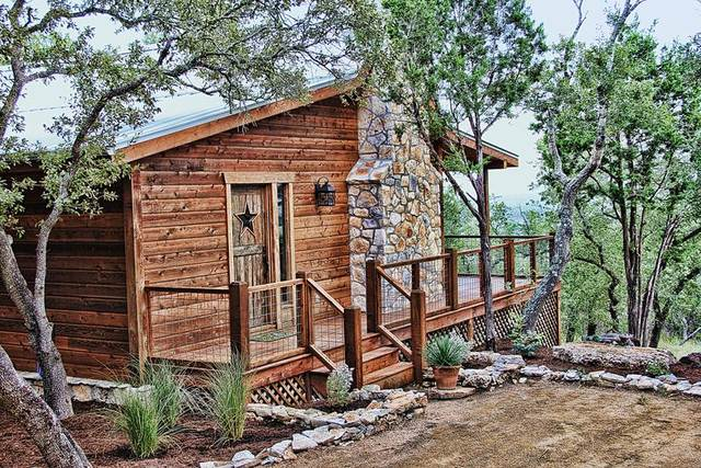 Hill country premier lodging wimberley tx resort for Texas hill country cabin
