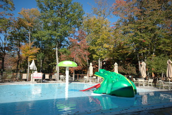 Outdoor children's pool at Woodloch Resort.