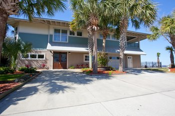 Rental exterior at Paradise Beach Homes.