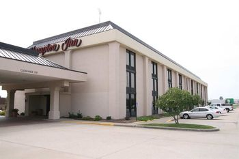 Exterior view of Hampton Inn Cape Girardeau, MO.