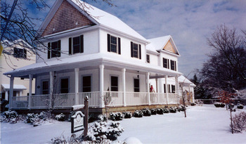 Exterior View of John's Gate Bed & Breakfast