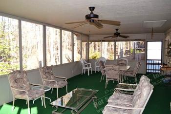 Vacation rental patio at Hot Springs Village Rentals.