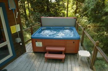 Cabin hot tub at Mt. Baker Lodging.