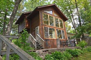 Cabin exterior at Oak Shores Resort.