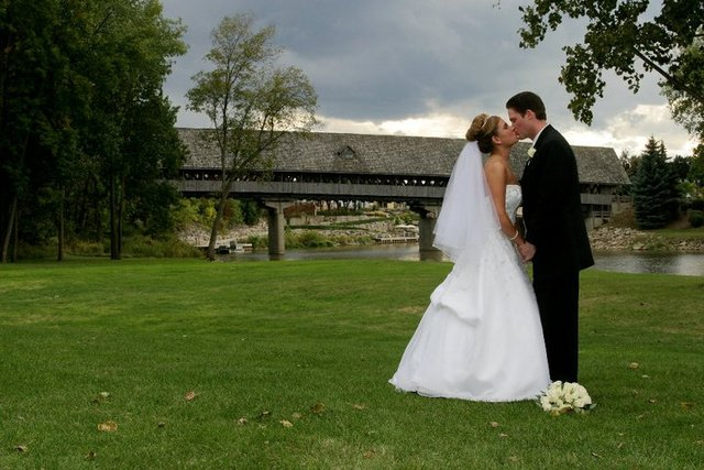 Wedding Couple at Bavarian Inn of Frankenmuth
