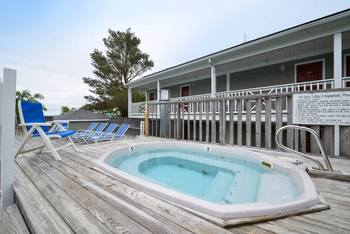 Outdoor Hot Tub at Bar Harbor Inn & Spa