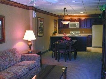 Suite interior at Split Rock Resort & Golf Club.
