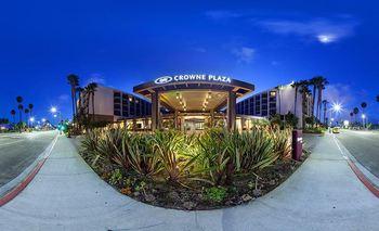 Exterior View of Crowne Plaza Redondo Beach and Marina
