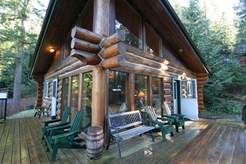 Cabin exterior at Mt. Baker Lodging.