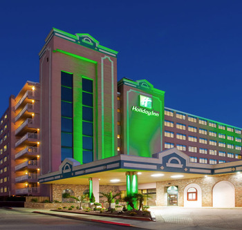 Exterior view of Holiday Inn Oceanfront Ocean City.