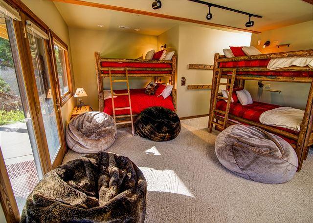 Rental bunk beds at Black Diamond Vacation Rentals.