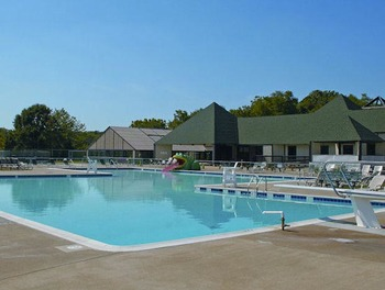 Outdoor pool at Wilderness Presidential Resorts.