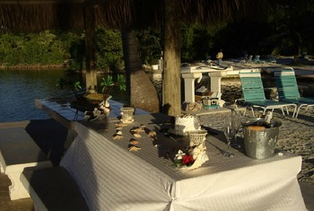 Dining at Rock Reef Resort.