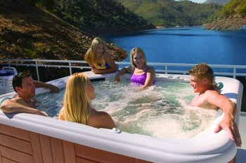 House boat jacuzzi at Lake Don Pedro.