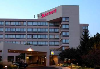 Exterior view of Detroit Marriott Livonia.