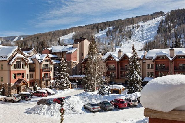 Lion square lodge vail co resort reviews for Cabin rentals near vail colorado