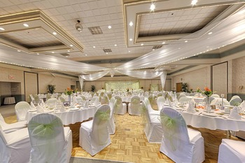 Wedding reception at Old Orchard Inn & Spa.