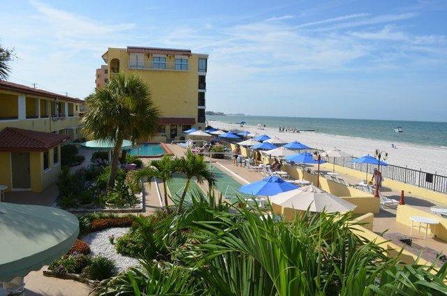 Exterior View of Shoreline Island Resort