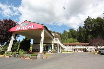 Exterior view of Belfair Motel.