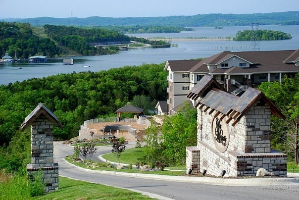 Thousand hills golf resort branson mo resort reviews for Branson cabins and condos