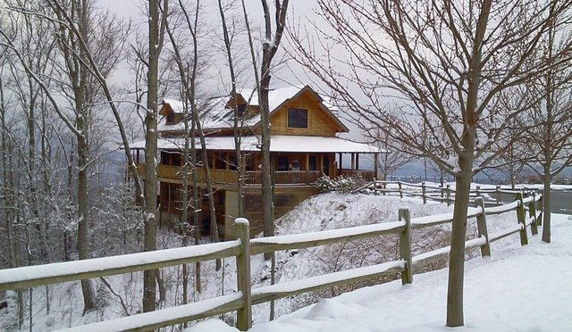Large cabin rentals pigeon forge tn resort reviews for Large cabin rentals in tennessee