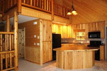 Family Log Retreat kitchen at Hollywood's Resort.