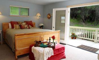 Guest room at Aurora Park Cottages.