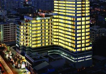 Exterior view of Pan Pacific Hotel Bangkok.