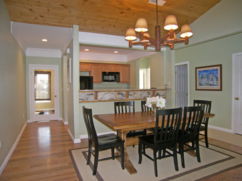 Vacation rental dining room at Loon Reservation Service.