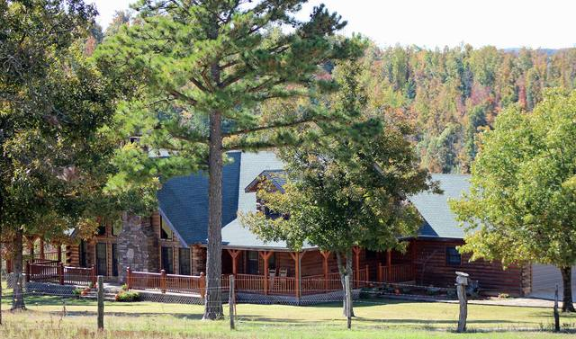 Exterior view of Saddleback Lodge.