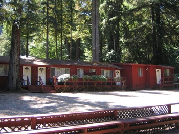 Exterior view of Merrybrook Lodge.